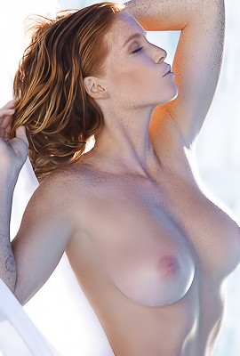 Glamorous Playboy model Elizabeth Ostrander naked