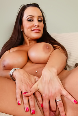 Hot MILF Cam Model Lisa Ann
